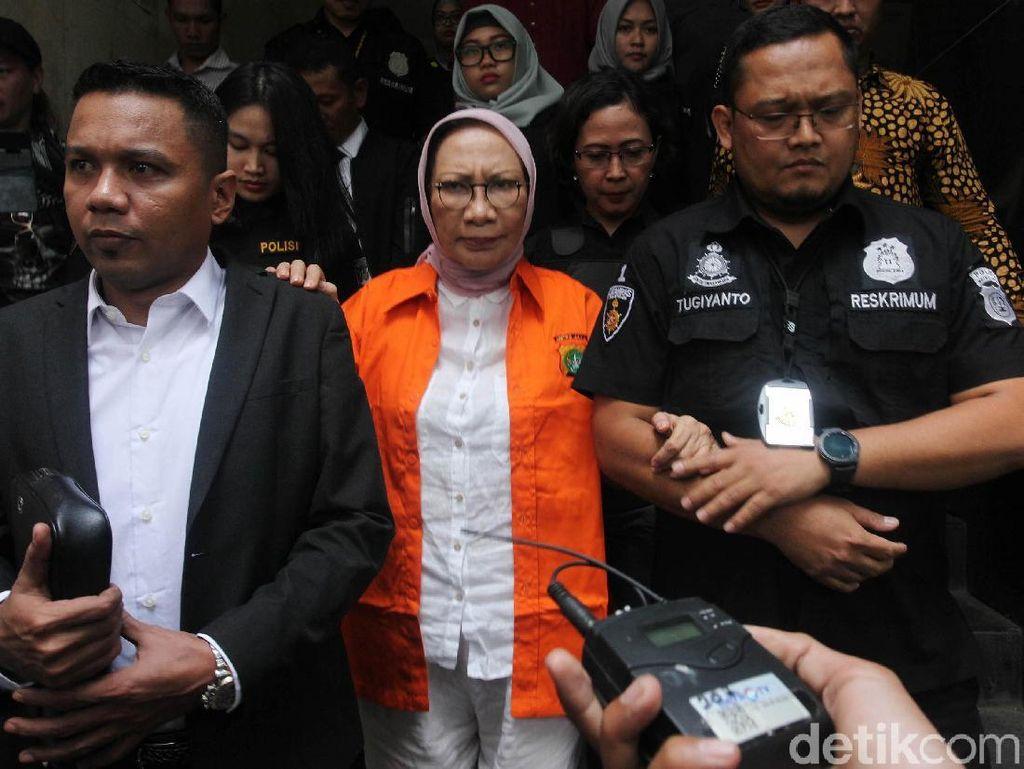 Berbaju Tahanan, Ratna Sarumpaet Dikawal ke Kejari Jaksel
