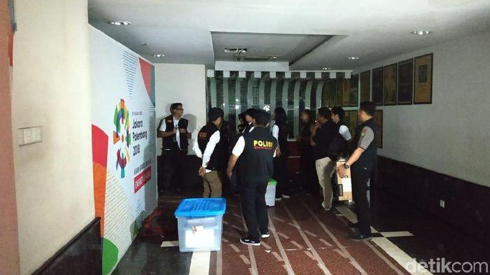 Satgas Anti Mafia Bola usai menggeledah kantor PSSI selama 17 jam (Yanu Arifin/Detiksport)