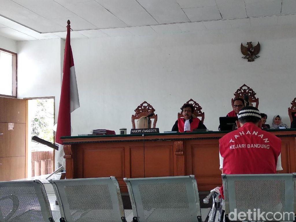 2 Kurir Ganja Asal Bogor Divonis Penjara Seumur Hidup dan 20 Tahun