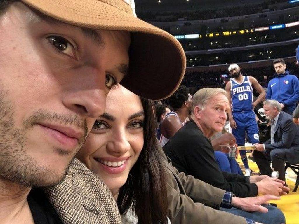 Respons Tak Terduga Ashton Kutcher-Mila Kunis usai Dikabarkan Cerai