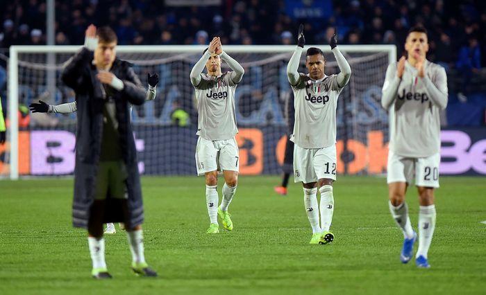 Juventus dipastikan tersingkir dari ajang Coppa Italia. Ini terjadi usai mereka kalah 0-3 dari Atalanta di babak perempatfinal. REUTERS/Massimo Pinca.