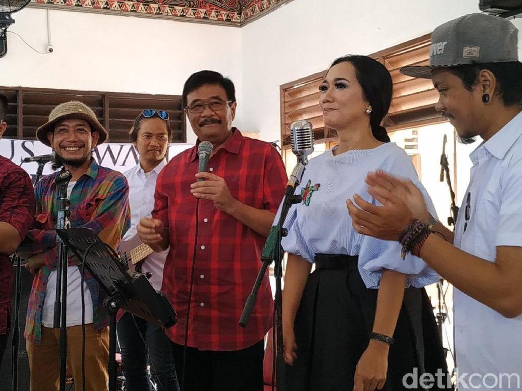 Kampanyekan Jokowi di Jakbar, Djarot Sampaikan Salam dari Ahok ke Warga