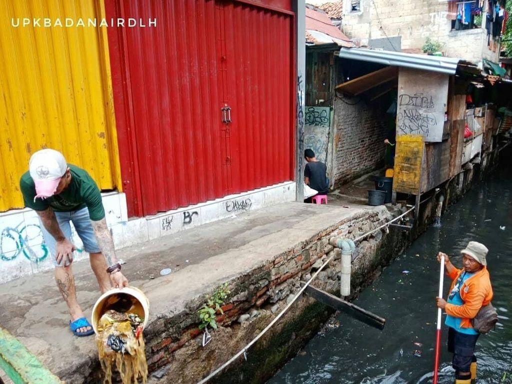 Jangan Buang Sampah Sembarangan di DKI, Dendanya Rp 500 Ribu