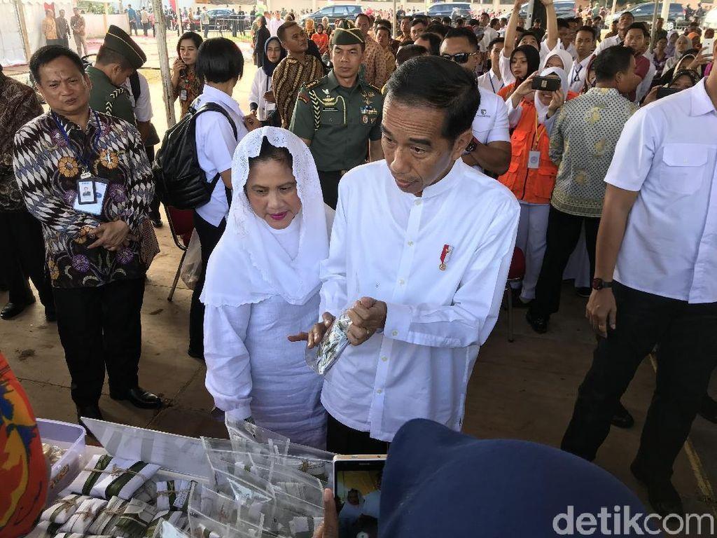 Bertemu Ibu Penjual Kopi, Jokowi: Saingan Sama Anak Saya