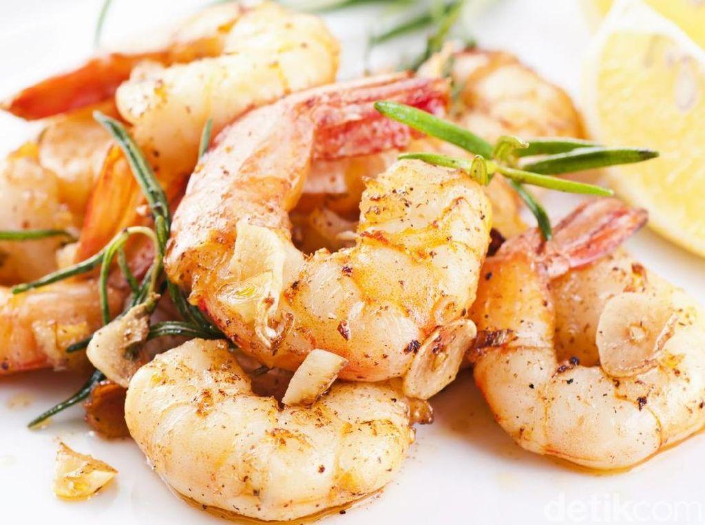 Pencinta Seafood, Yuk, Bikin 5 Masakan Udang yang Enak Ini