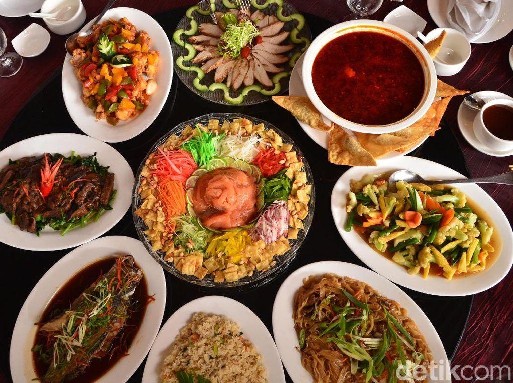 Di Bandung Ada Yu Sheng dan Nasi Goreng Udang Istimewa Buat Imlek