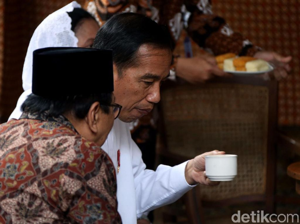 Ke Jatim, Jokowi Beberkan Proyek Kilang di Jawa dan Kalimantan