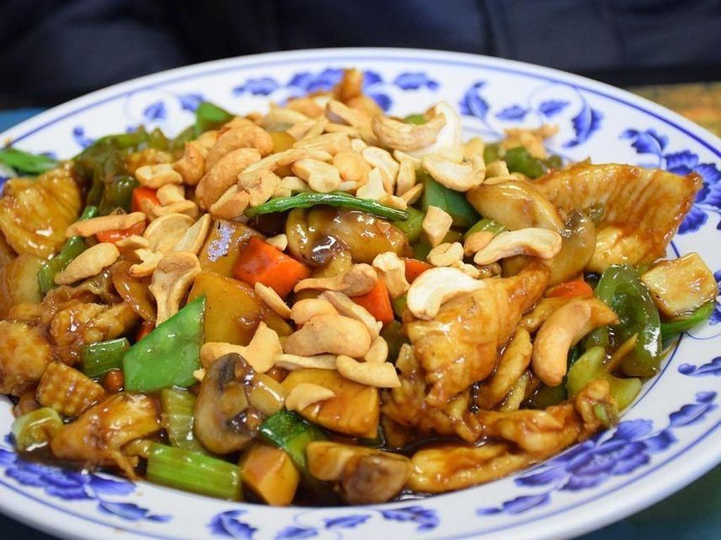 Di 5 Tempat Makan Ini Bisa Kumpul Sambil Makan Masakan China Enak di Semarang