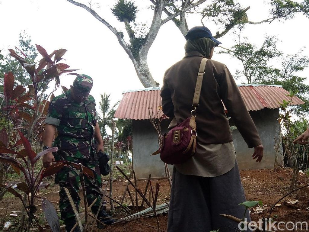 Tali Pocong Nek Bisem Raib, Warga Berjaga di Area Makam Siang Malam