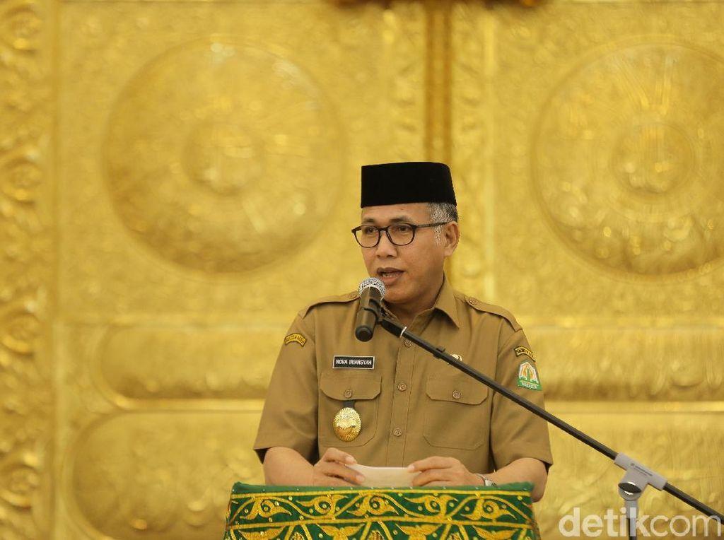 6 Fraksi Serahkan Usulan Interpelasi Plt Gubernur Aceh ke Pimpinan DPRA