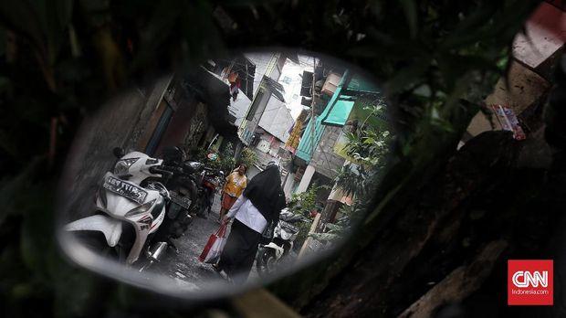 Kampung Ampiun Kelurahan Pegangsaan, Kecamatan Menteng, Jakarta Pusat. merupakan pemukiman kumuh padat penduduk yang terletak di tengah-tengah kota.Jakarta. Kamis 31 Januari 2019. CNN Indonesia/Andry Novelino