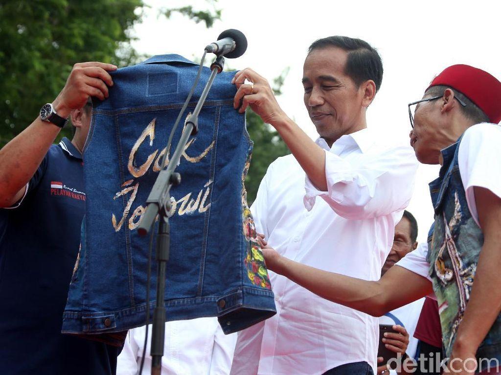 Herannya Fadli Zon pada Gelar Kontroversial Jokowi