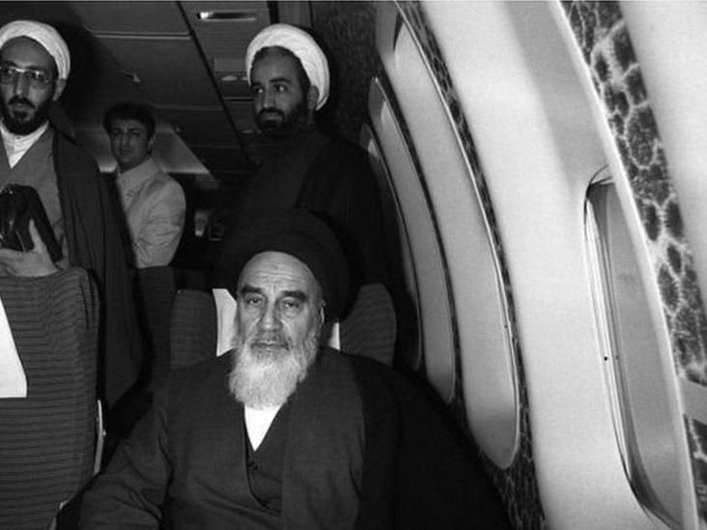Kisah Perjalanan Udara yang Menentukan Revolusi Islam Iran