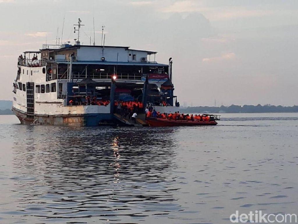 KMP Prathita IV Kandas di Perairan Selat Bali