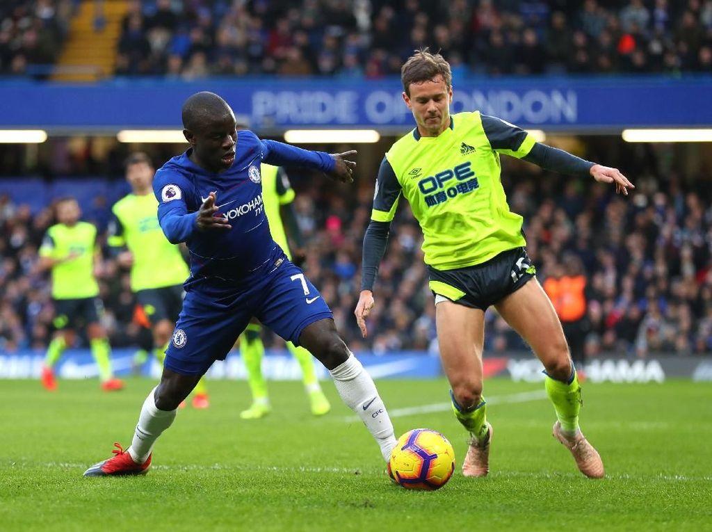Babak Pertama, Chelsea Unggul 2-0 atas Huddersfield