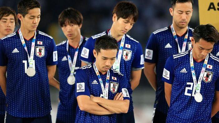 Para pemain Jepang usai kalah di final Piala Asia 2019 (REUTERS/Thaier Al-Sudani)