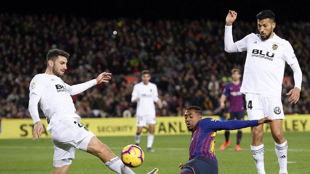 Barcelona Nyaris Kalah di Camp Nou