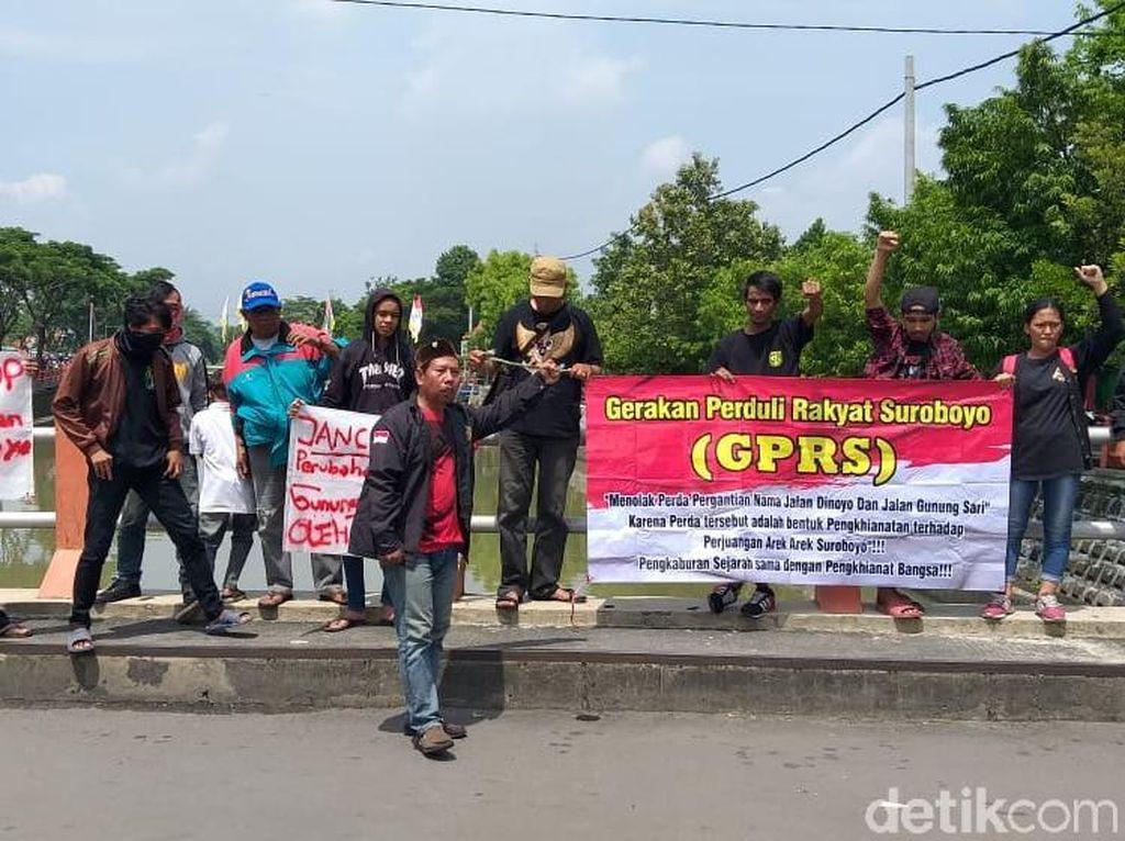 Aksi Menentang Perubahan Nama Jalan Menjelang Diresmikan