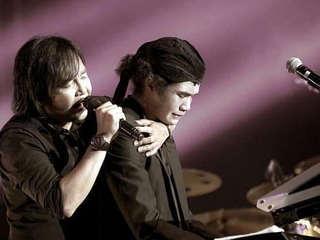 Anji Bela Al dan Dul yang Disebut Lebay Nangis saat Konser Dewa 19