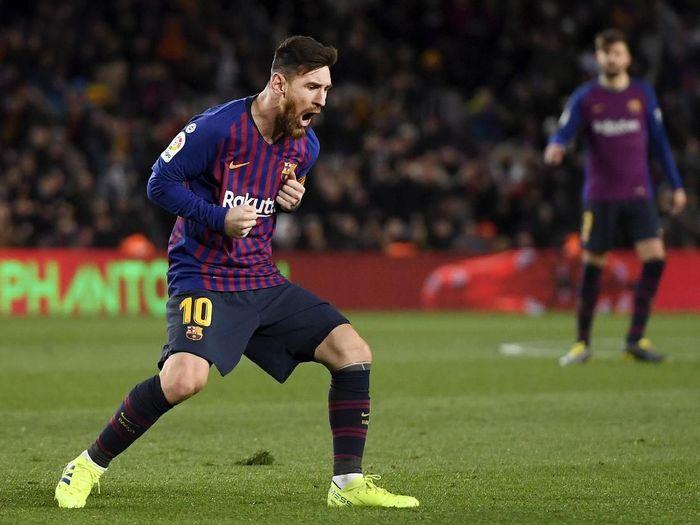 Lionel Messi mencetak dua gol saat Barcelona menahan imbang Valencia 2-2, Minggu (3/2/2019) dini hari WIB. (Foto: Alex Caparros/Getty Images)