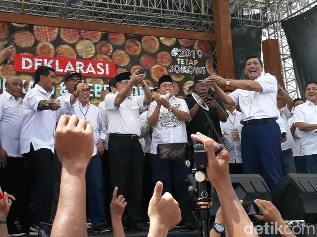 Kampanye Jokowi, Luhut: Saya Anak Sopir Bus Tapi Bintangnya 4
