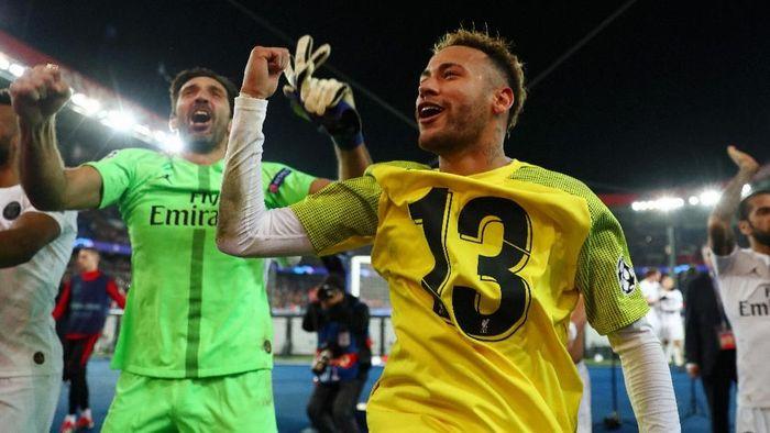 Tanpa Neymar, Buffon ragu PSG bisa melaju jauh di Liga Champions musim ini. Foto: Clive Rose/Getty Images