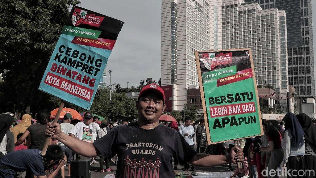 Aksi Masyarakat Lawan Hoax di CFD Jakarta
