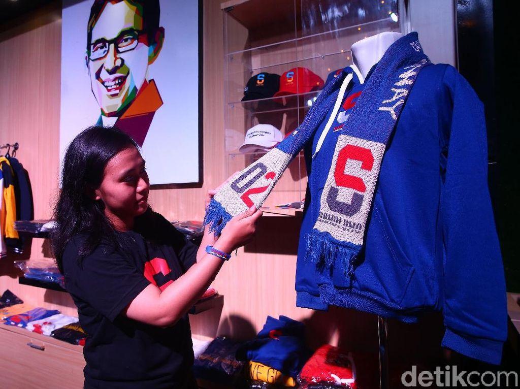Sandiaga Uno Tularkan Semangat Lewat Merchandise Unik