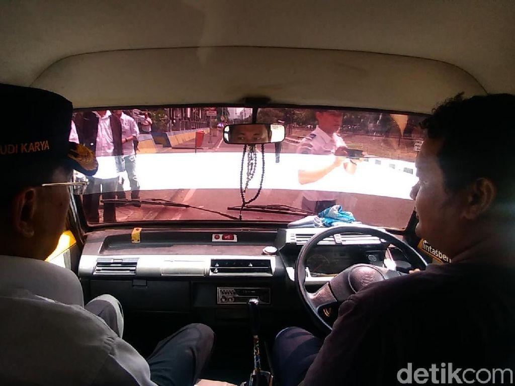 Menhub Usul Angkot di Surabaya Pakai AC
