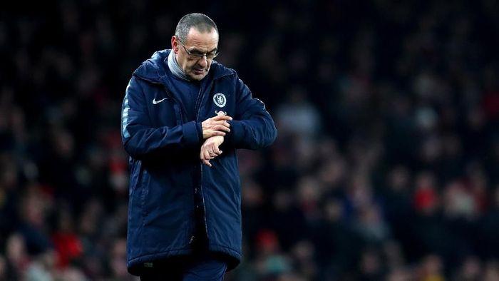 Chelsea disarankan agar jangan dulu memecat Maurizio Sarri. Foto: Catherine Ivill/Getty Images