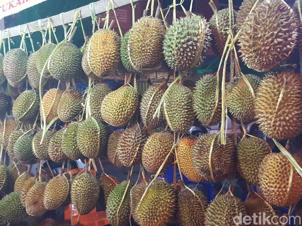 Kelezatan Durian Potianak Bikin Lidah Bergoyang Ketagihan