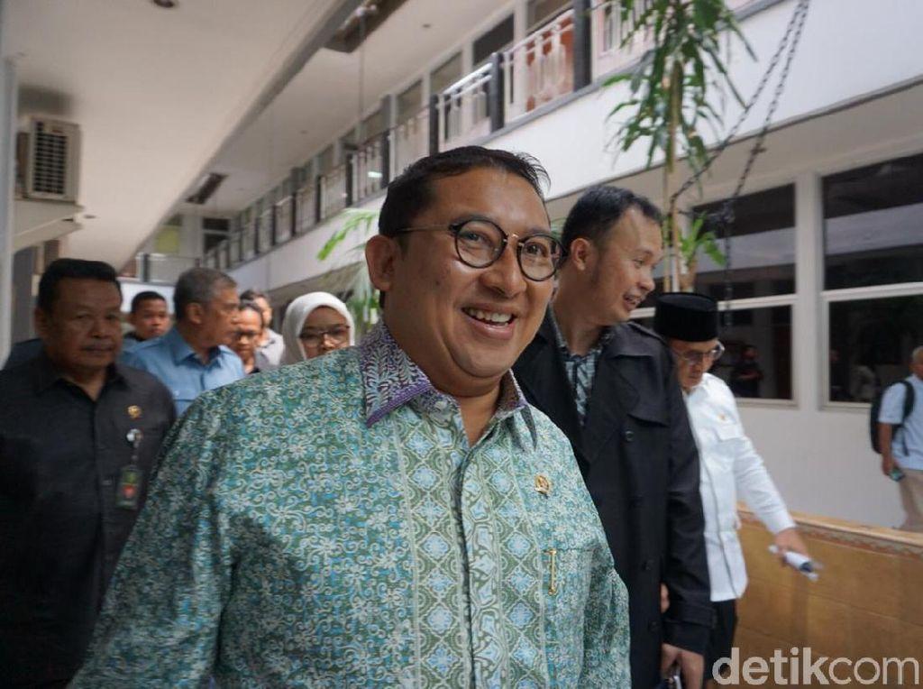 Fadli Zon Kaji Laporkan Jokowi karena Konsultan Asing-Propaganda Rusia