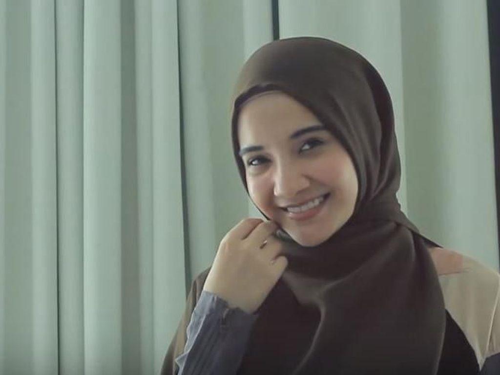 Tips Sukses Jadi Desainer ala Zaskia Sungkar