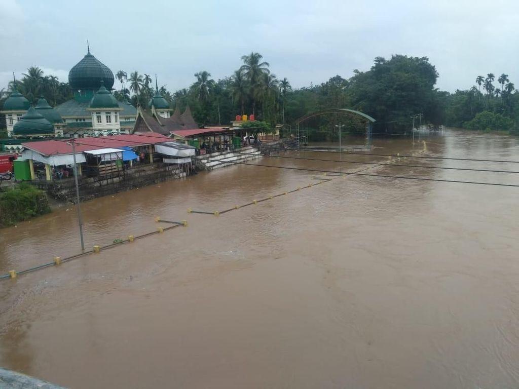 Banjir di Pangkalan Sumatera Barat, Dua Orang Hilang