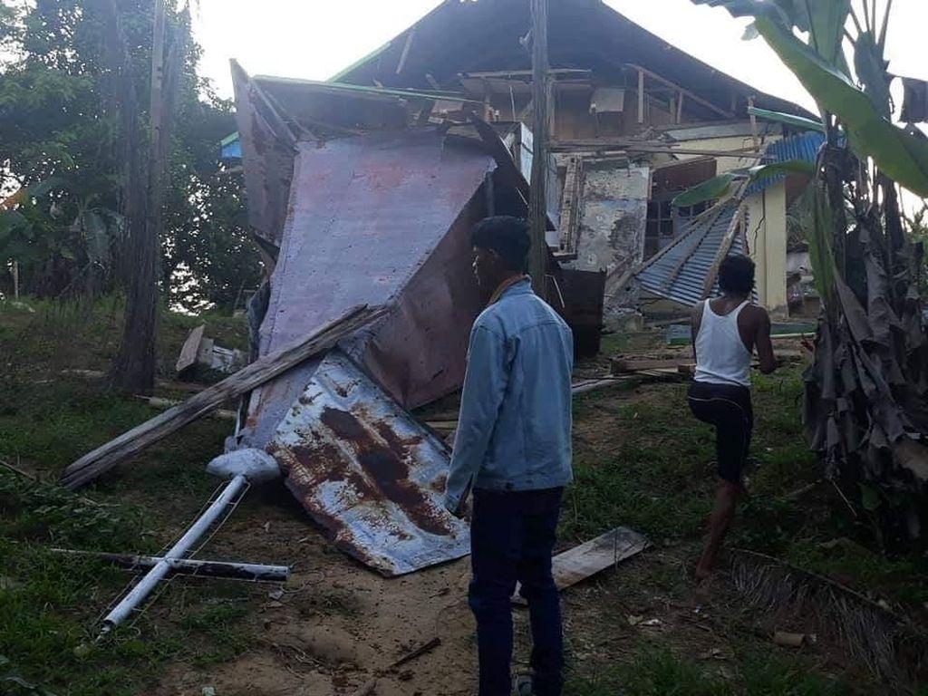 Dampak Rentetan Gempa Mentawai: Gereja, Puskesmas, dan 11 Rumah Rusak