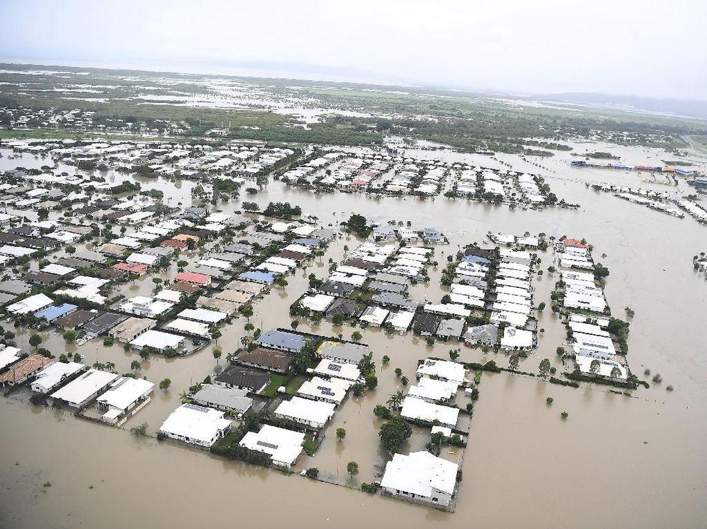 Penampakan Udara Banjir Rendam Ribuan Rumah di Australia