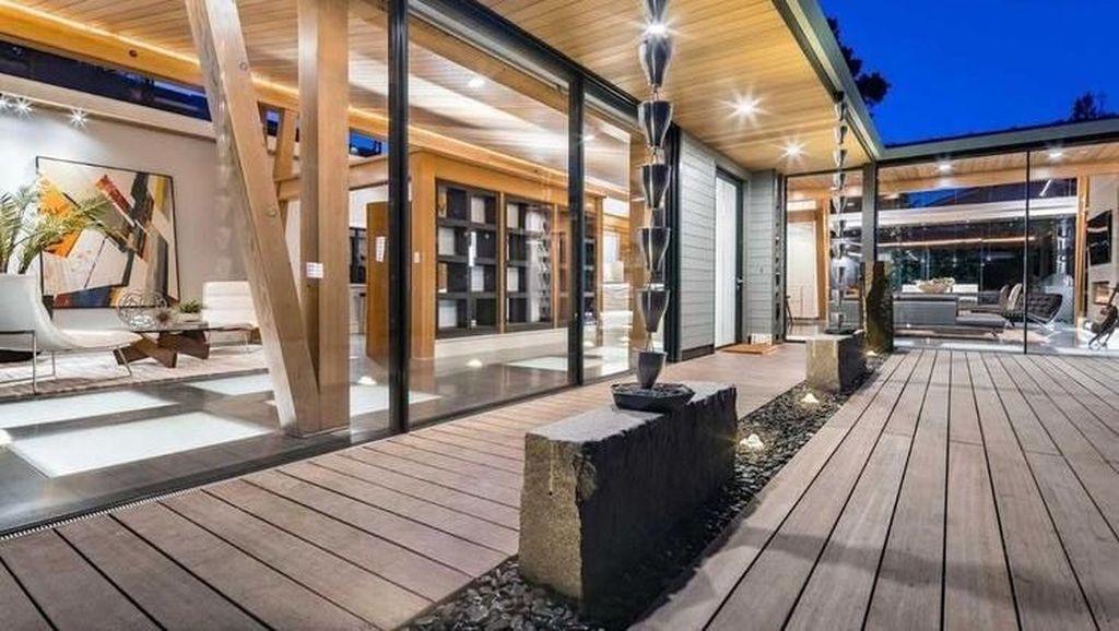Mau Tinggal di Rumah Ultramodern Ini? Hanya Rp 98 Miliar Kok