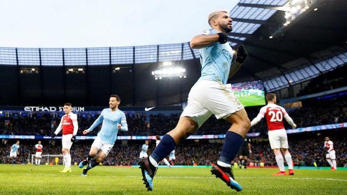 Sergio Aguero bikin hat-trick saat Manchester City menang 3-1 atas Arsenal (Reuters/Carl Recine)