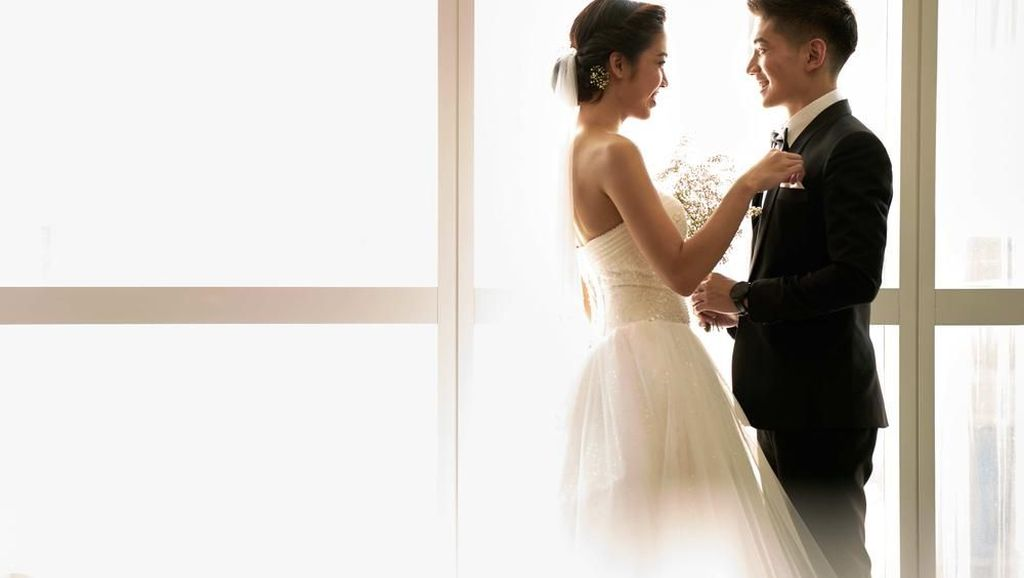 Sejarah Kelam di Balik Tradisi Pakai Veil dan Potong Kue saat Menikah