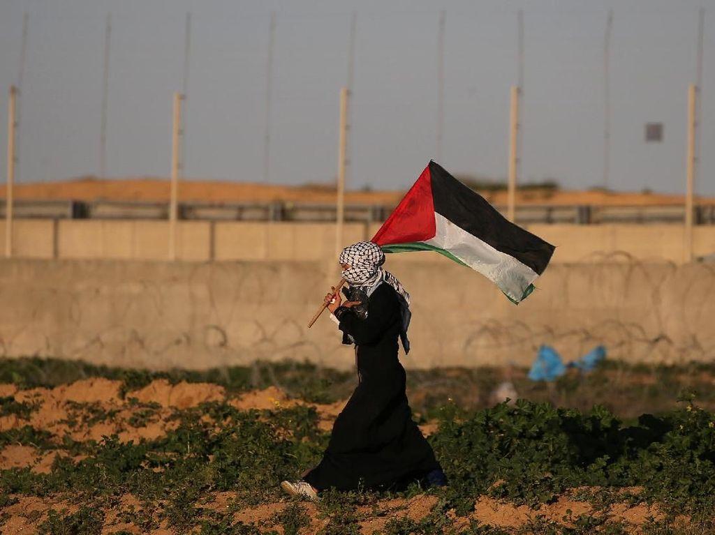 Balas Serangan Balon Api, Israel Hentikan Pasokan Bahan Bakar ke Gaza