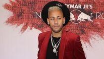 Tahun baru, Neymar Dilaporkan Gelar Pesta Undang Banyak Selebgram Seksi