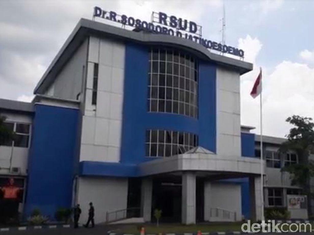 Pasien Dirawat di Lorong, RSUD Bojonegoro Overload
