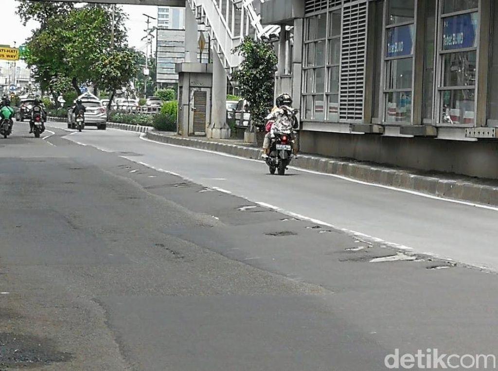 Jalanan Jakarta Belum Diperbaiki, Bina Marga Tunggu e-Katalog Terbit