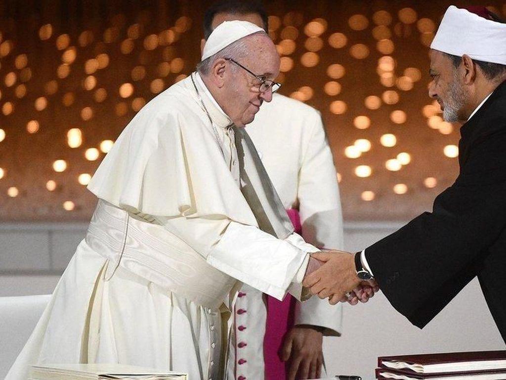 Imam Besar Al-Azhar: Rangkul Kristen, Jangan Pakai Istilah Minoritas