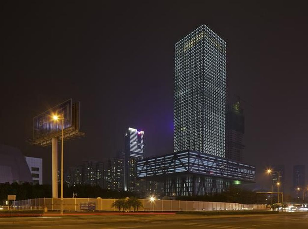Mengintip Bangunan Lantai Bursa di China