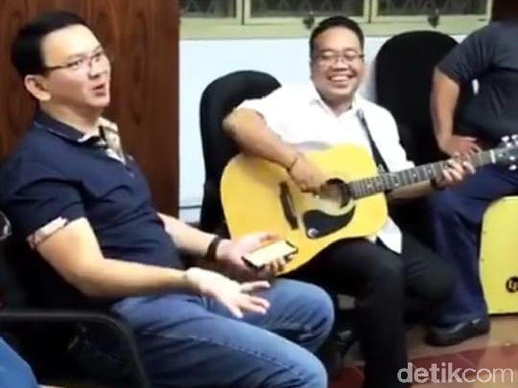 Ahok Nikmati Kebebasan: Kumpul dengan Keluarga dan Nyanyikan Lagu Cinta