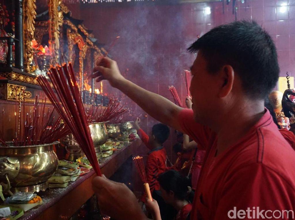 Harmoni Imlek di Griya Kongco Dwipayana Bali