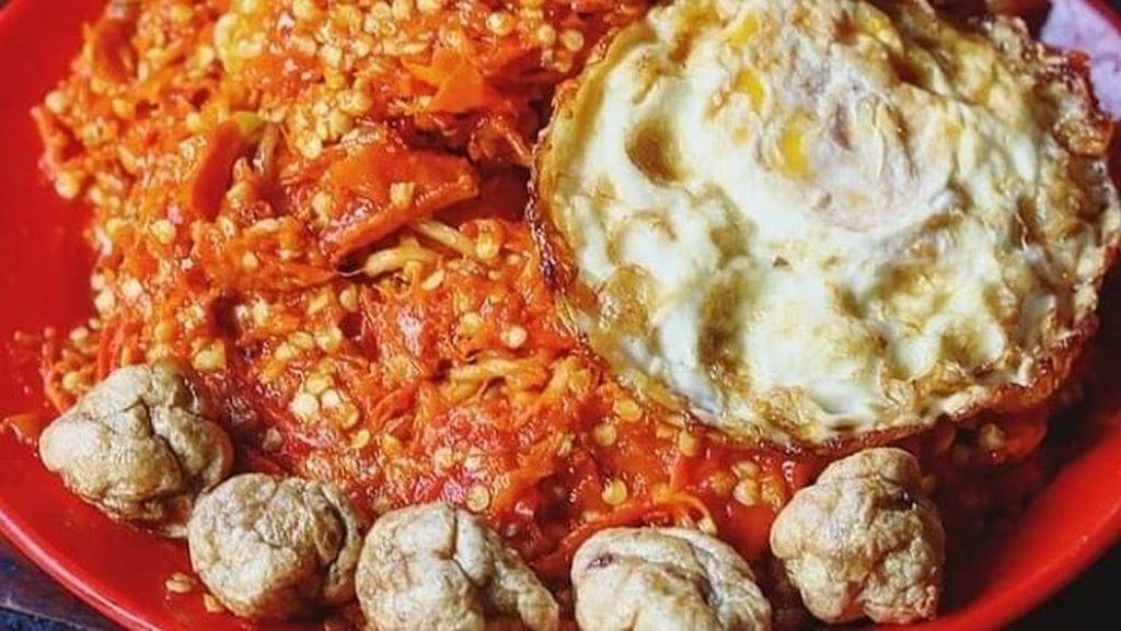 20 Tempat Makan Mie Instan Kekinian yang Murah Meriah