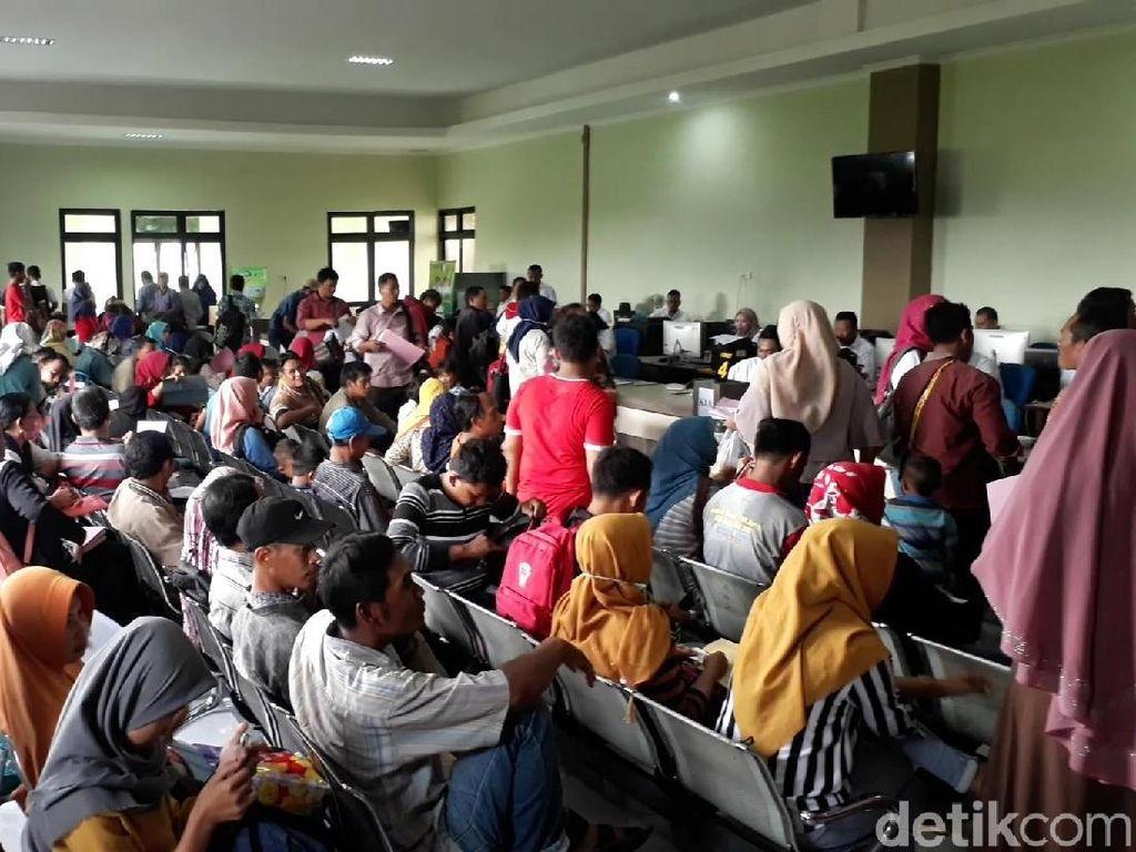 Mal Pelayanan Publik Dispendukcapil Bojonegoro Dikeluhkan Warga
