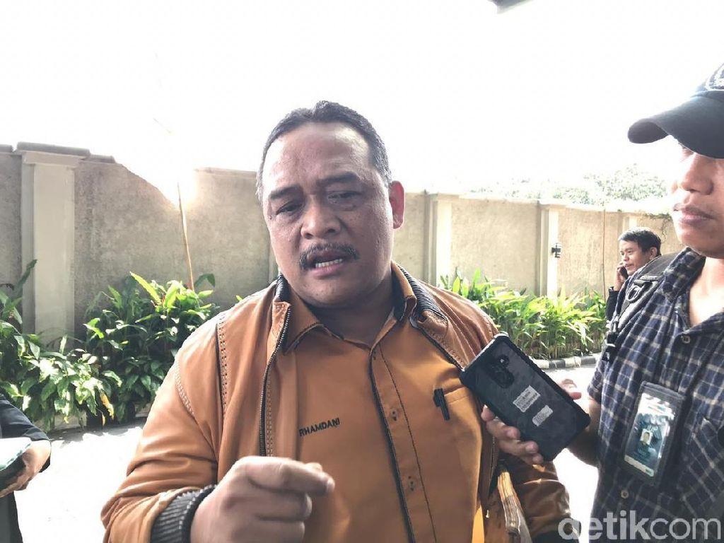 Emak-emak Kampanye Hitam ke Jokowi, TKN Singgung Politik Halal-Haram-Hantam